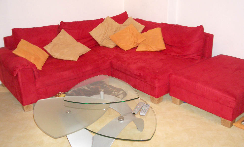 Kleinanzeigen couchtisch sonstige wohnzimmereinrichtung for Suche gebrauchte couchgarnitur