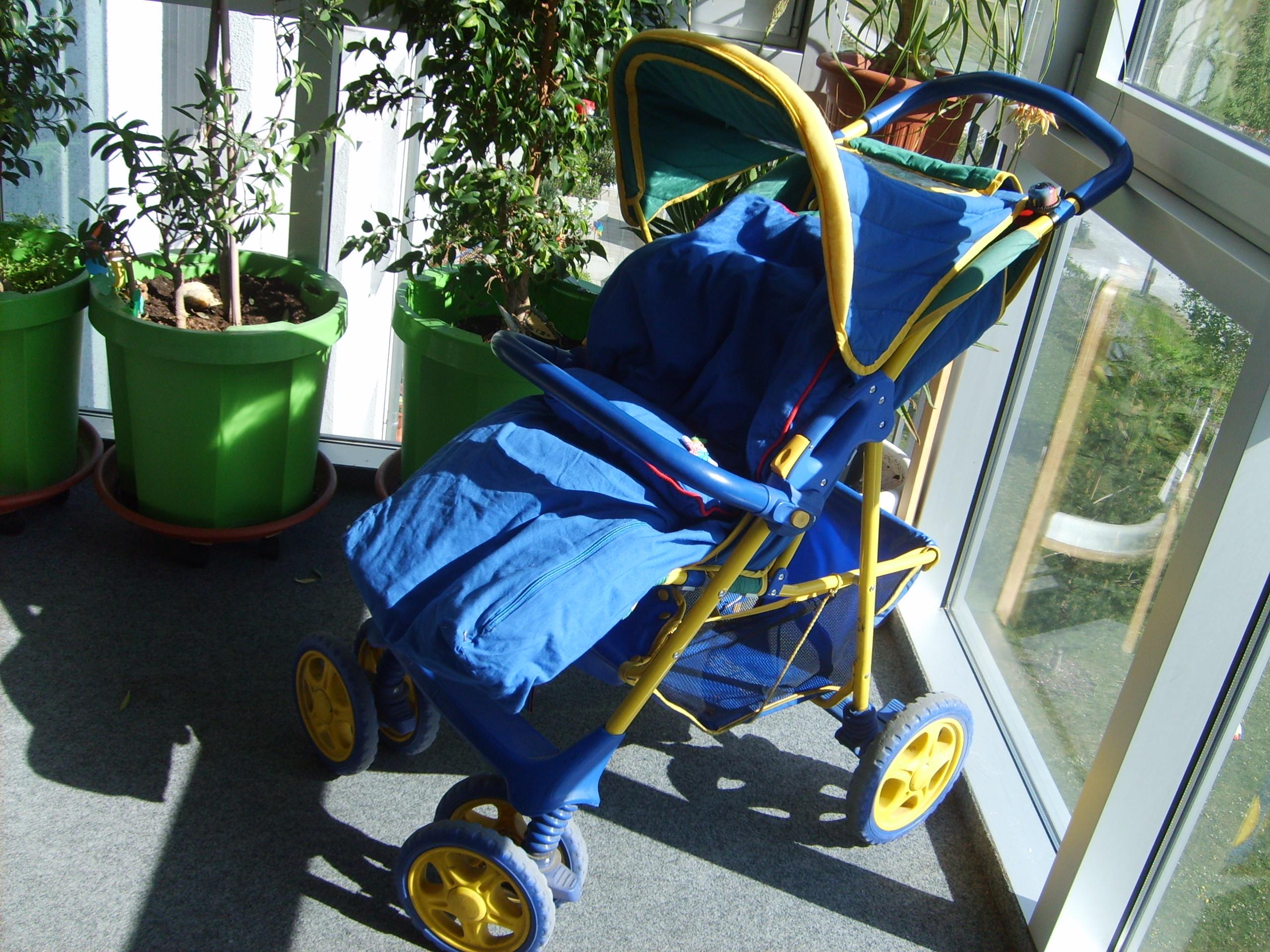 kleinanzeigen kinderwagen seite 3. Black Bedroom Furniture Sets. Home Design Ideas