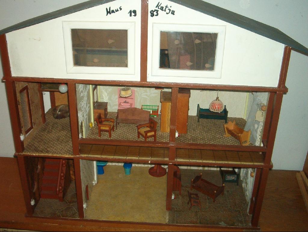 selbstgebautes puppenhaus in dormagen | baby und kind | kleinanzeigen