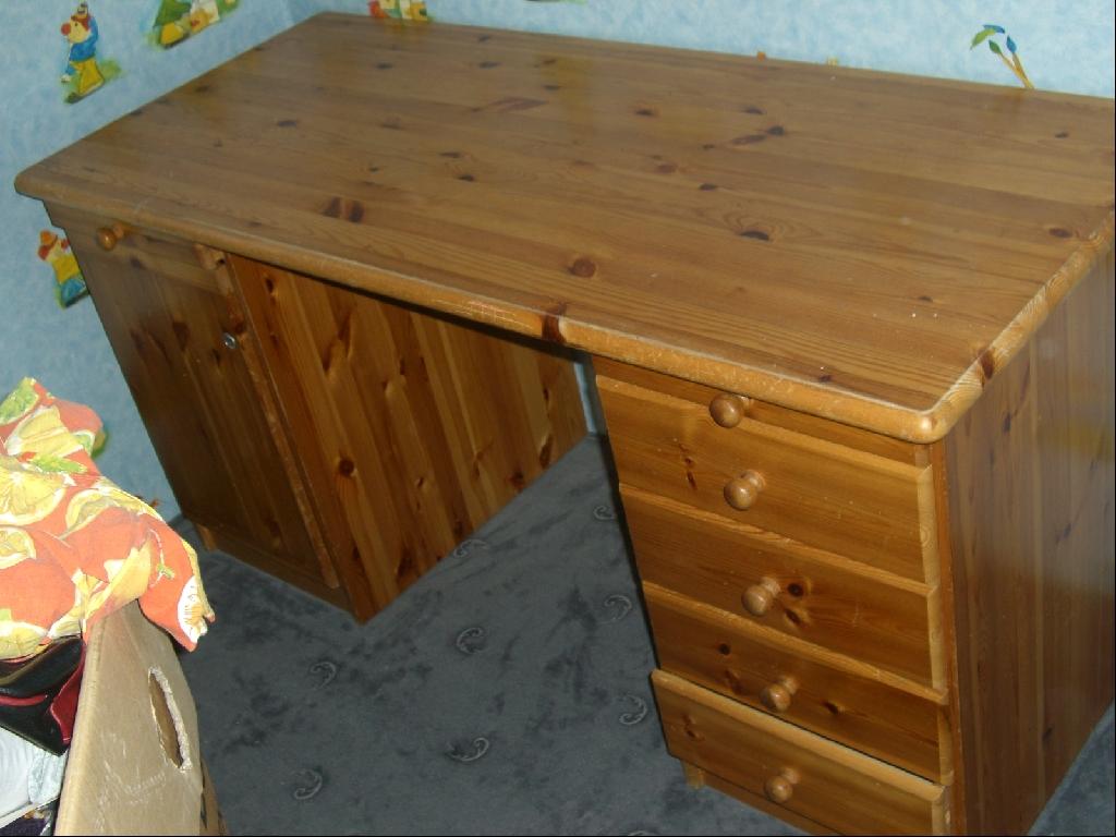 schreibtisch holz klein neuesten design kollektionen f r die familien. Black Bedroom Furniture Sets. Home Design Ideas