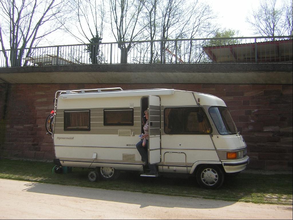 kompaktes wohnmobil hymer 534 mit hecksitzgruppe in euerbach camping kleinanzeigen. Black Bedroom Furniture Sets. Home Design Ideas