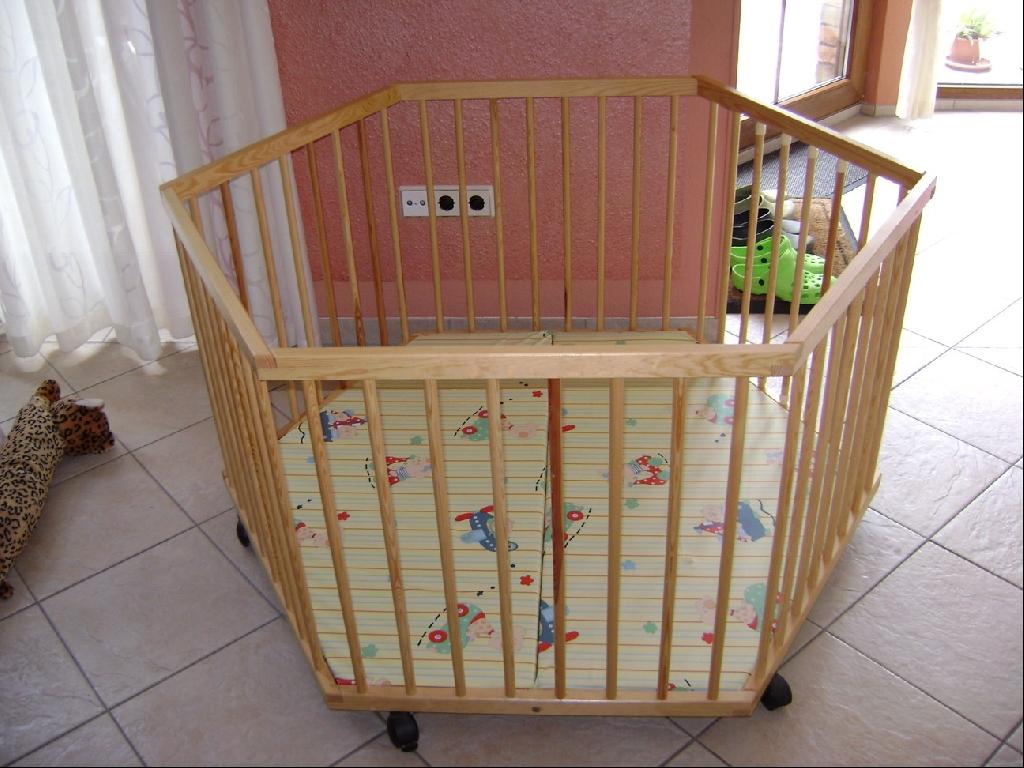laufgitter matratze von babybetten s mann in ebersburg baby und kind kleinanzeigen. Black Bedroom Furniture Sets. Home Design Ideas