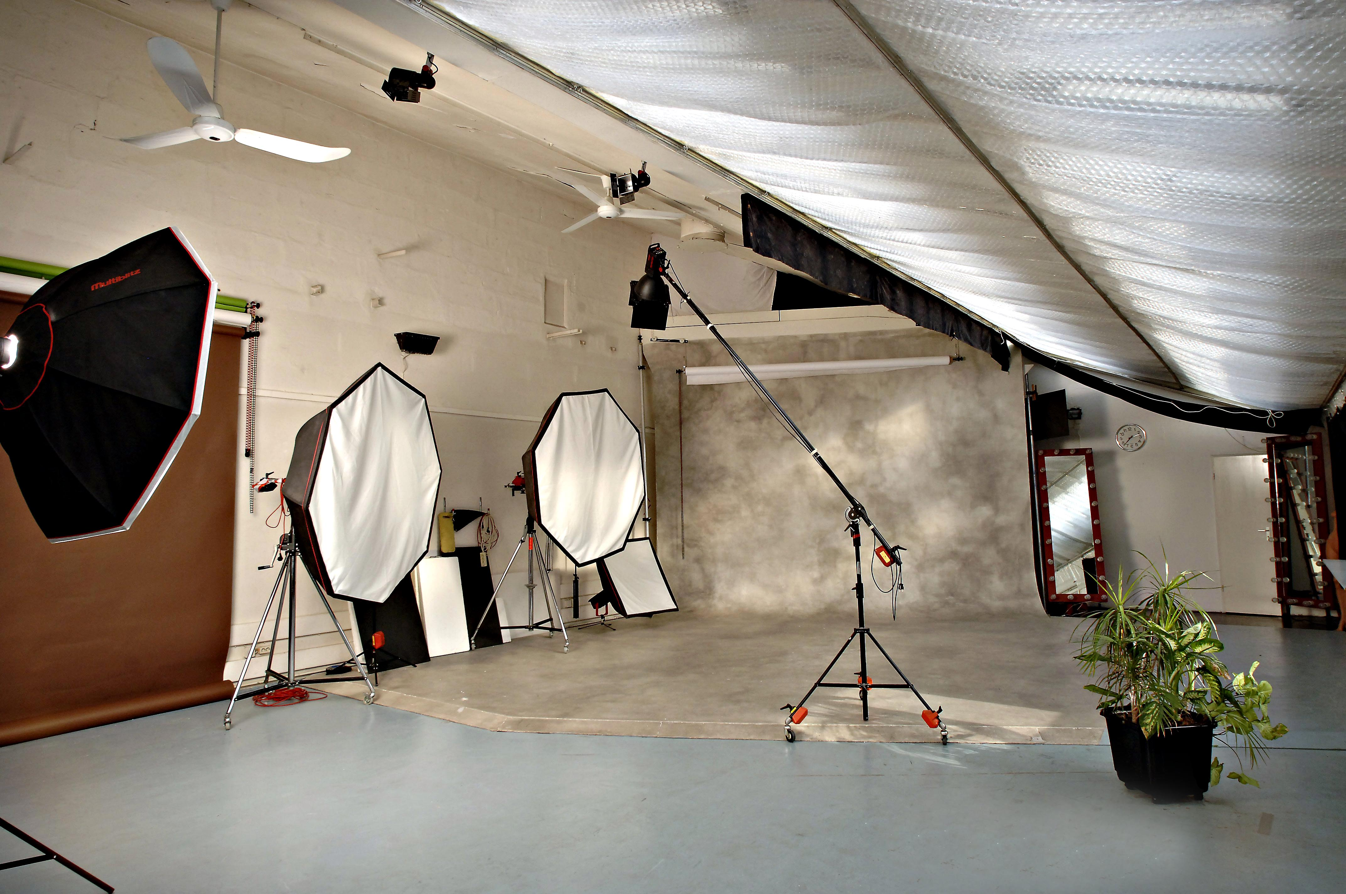 fotostduio mieten berlin rentstudio berlin in berlin dienstleistungen kleinanzeigen. Black Bedroom Furniture Sets. Home Design Ideas