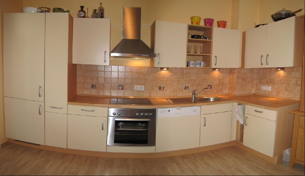 einbauk che nobilia mit elektroger te und apothekerschrank. Black Bedroom Furniture Sets. Home Design Ideas