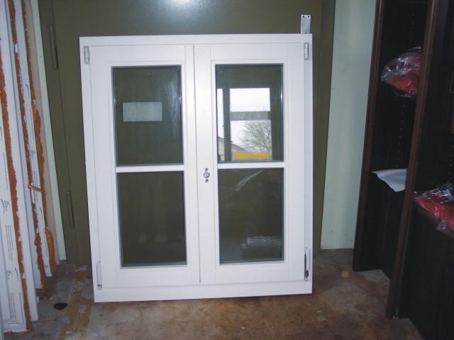 kiefer holzfenster in gosheim handwerk hausbau. Black Bedroom Furniture Sets. Home Design Ideas