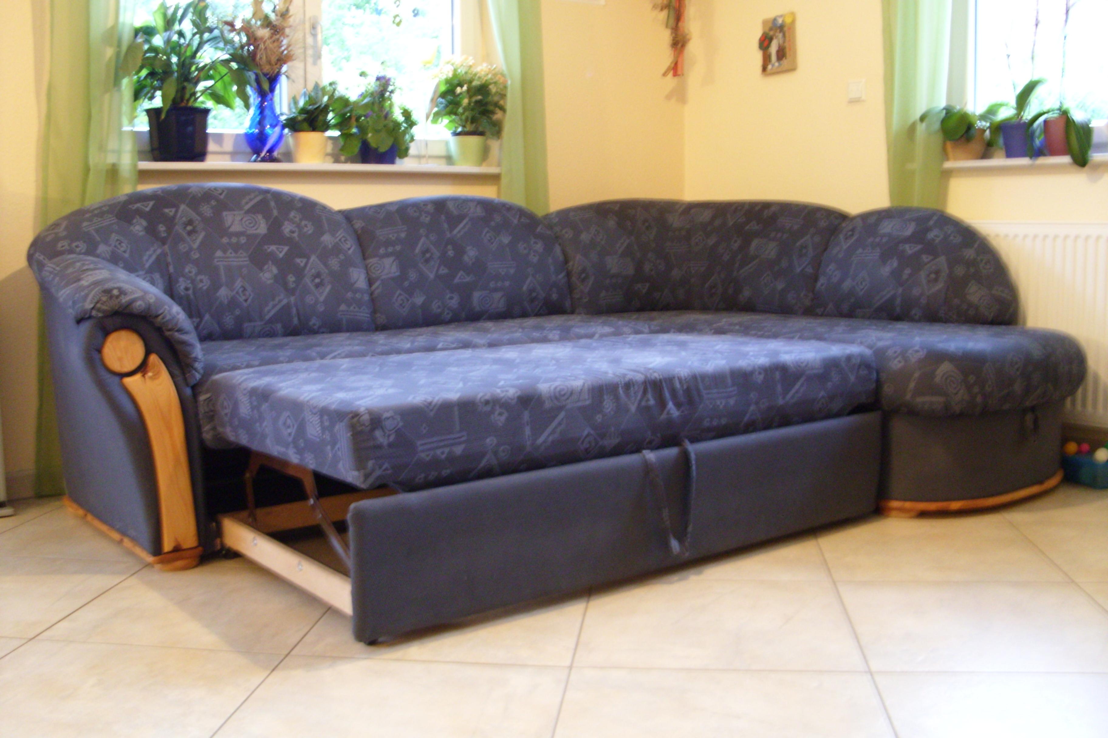 polsterecke mit schlaffunktion bettkasten in oberkirch. Black Bedroom Furniture Sets. Home Design Ideas