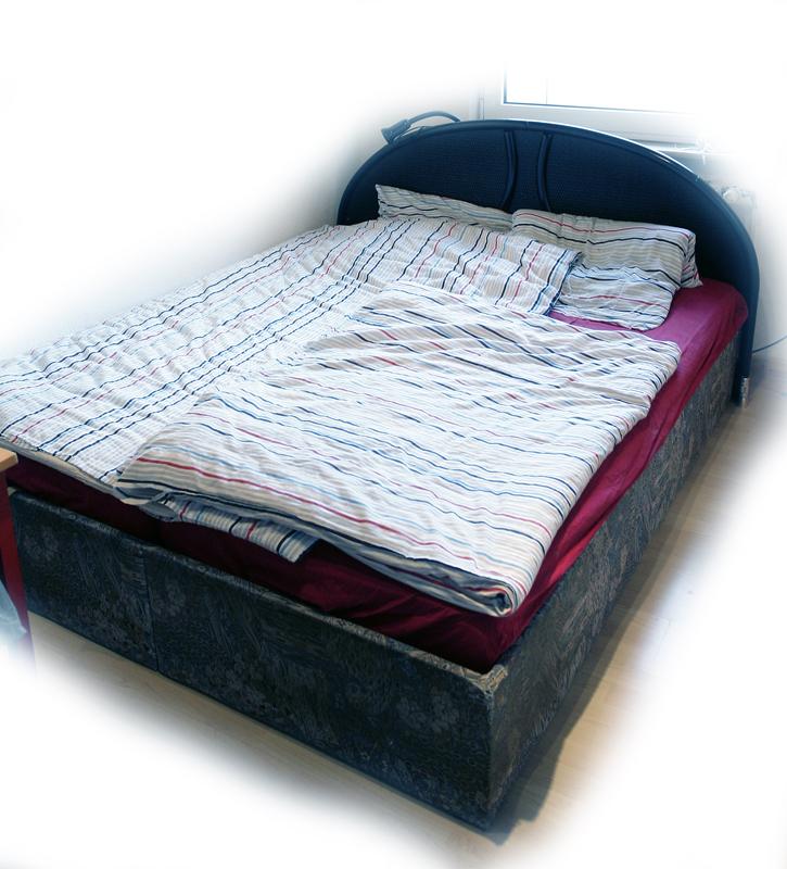 rundbett zu verkaufen in langerwehe m bel und haushalt kleinanzeigen. Black Bedroom Furniture Sets. Home Design Ideas