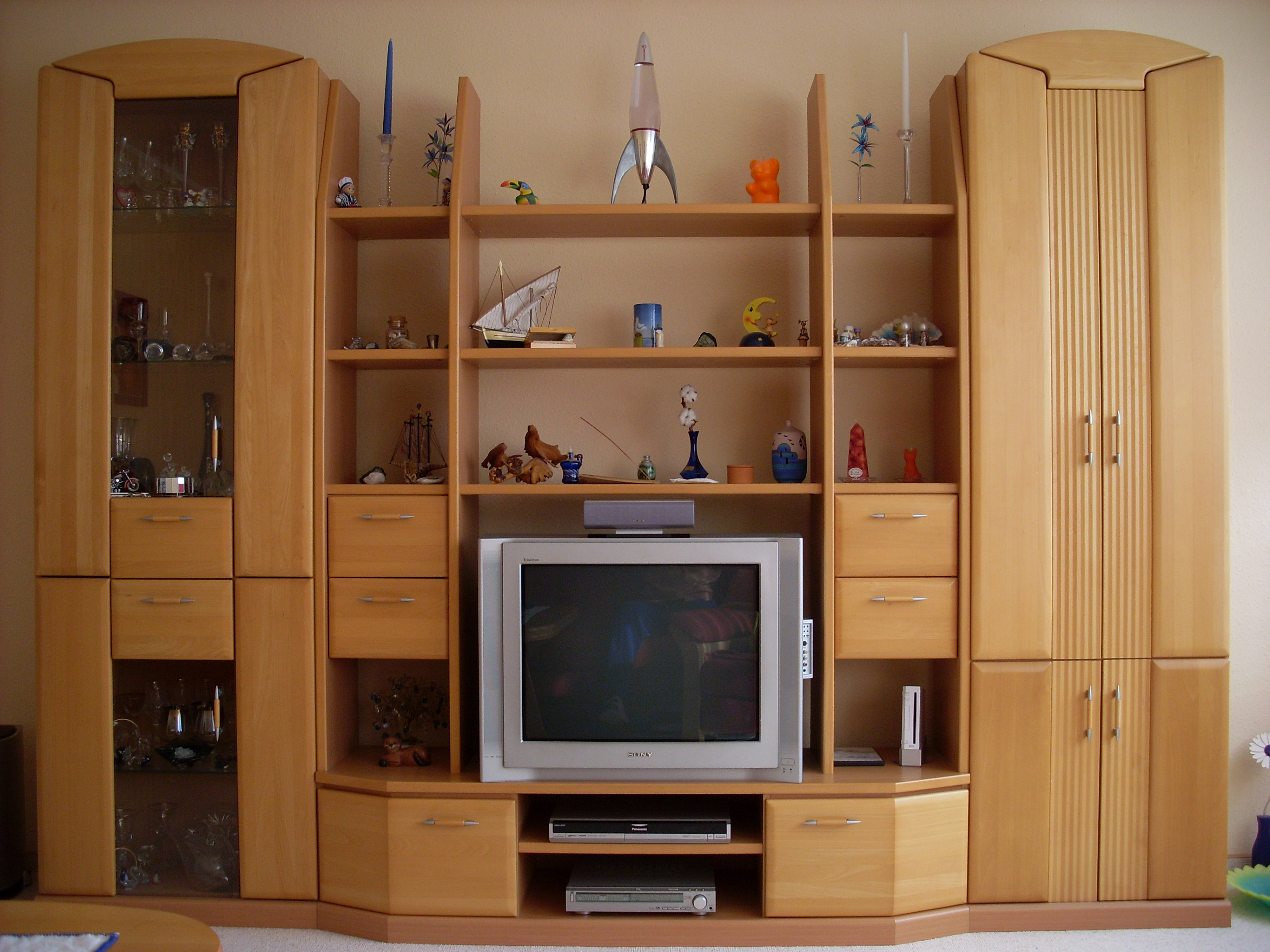 sch ne anbauwand zu verkaufen in berlin m bel und haushalt kleinanzeigen. Black Bedroom Furniture Sets. Home Design Ideas