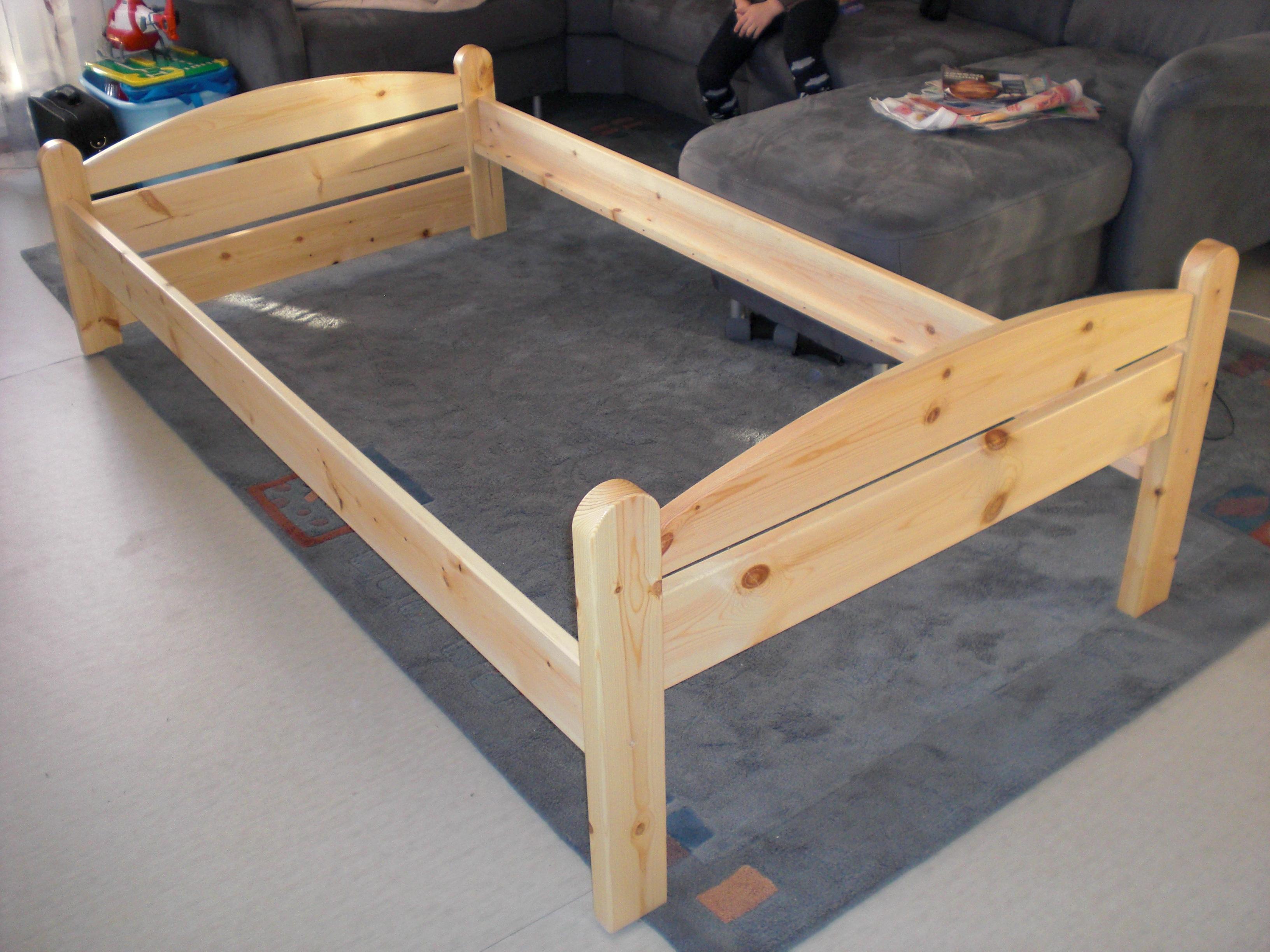 jugendbett mit schubladen und lattenrost in berlin m bel. Black Bedroom Furniture Sets. Home Design Ideas