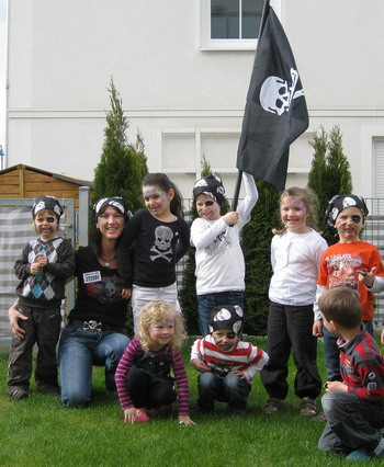piratengeburtstag kindergeburtstag berlin mit kinderanimation in berlin sonstiges kleinanzeigen. Black Bedroom Furniture Sets. Home Design Ideas