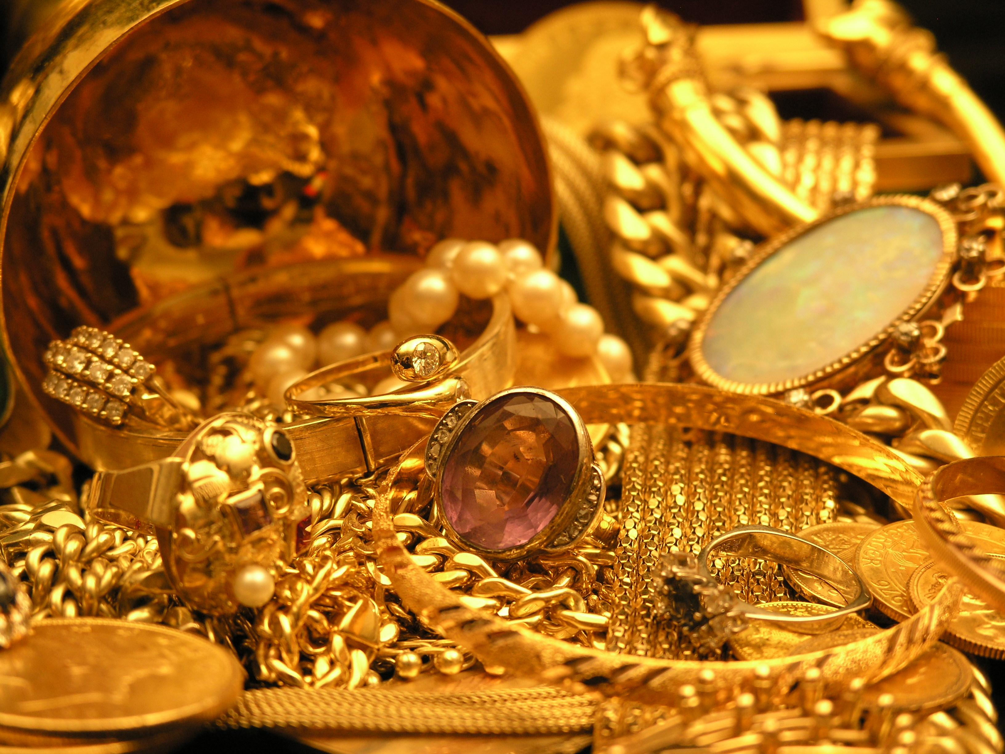 Schmuck gold  Ständiger Edelmetallankauf von Gold Silber Platin in Bielefeld ...