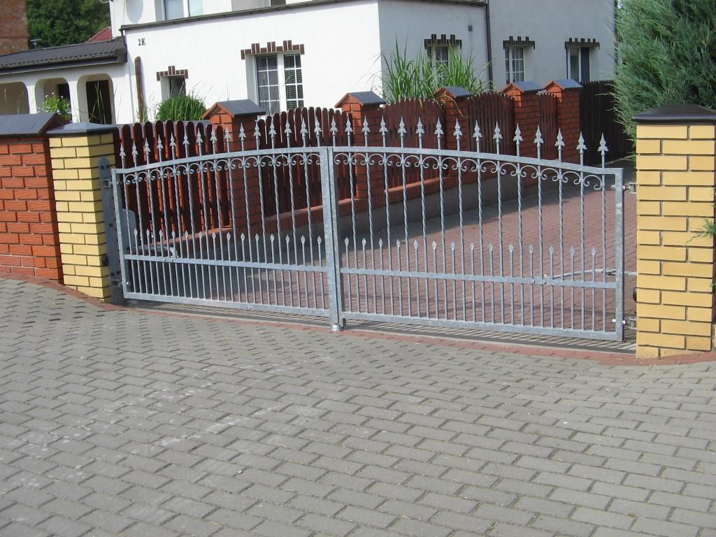 Kunstschmiede Zäune Metallzäune Tore Doppelstabzäune in Salzgitter