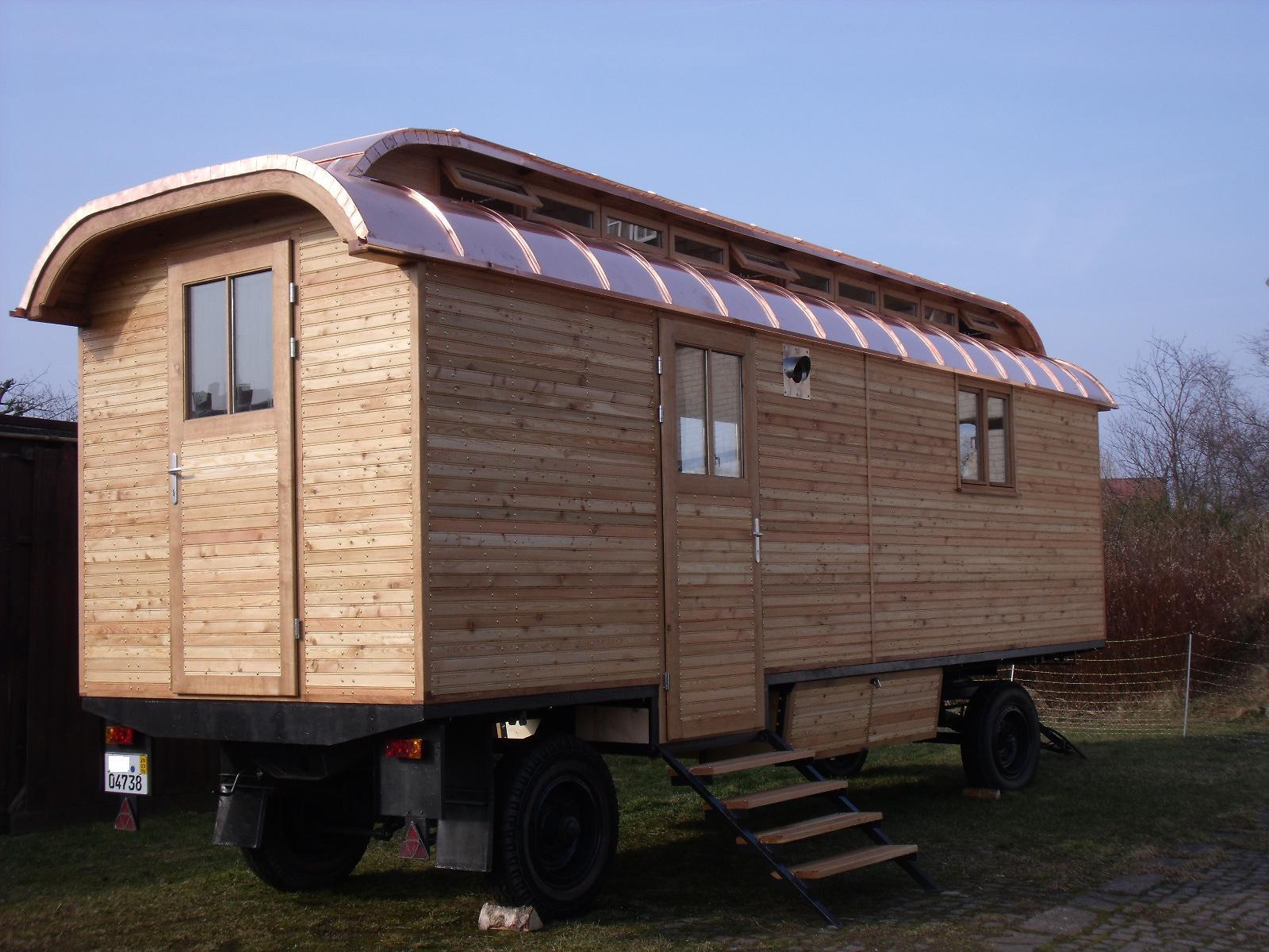 zirkuswagen oder oberlichtwagen gesucht in flensburg. Black Bedroom Furniture Sets. Home Design Ideas