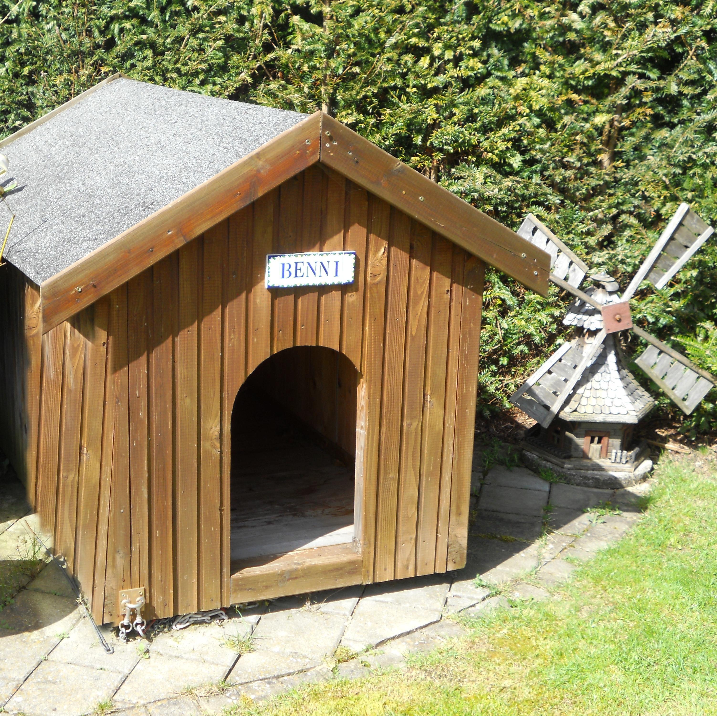Attraktiv Hundehütte Aus Paletten Dekoration Von Hundehütte Massivholz