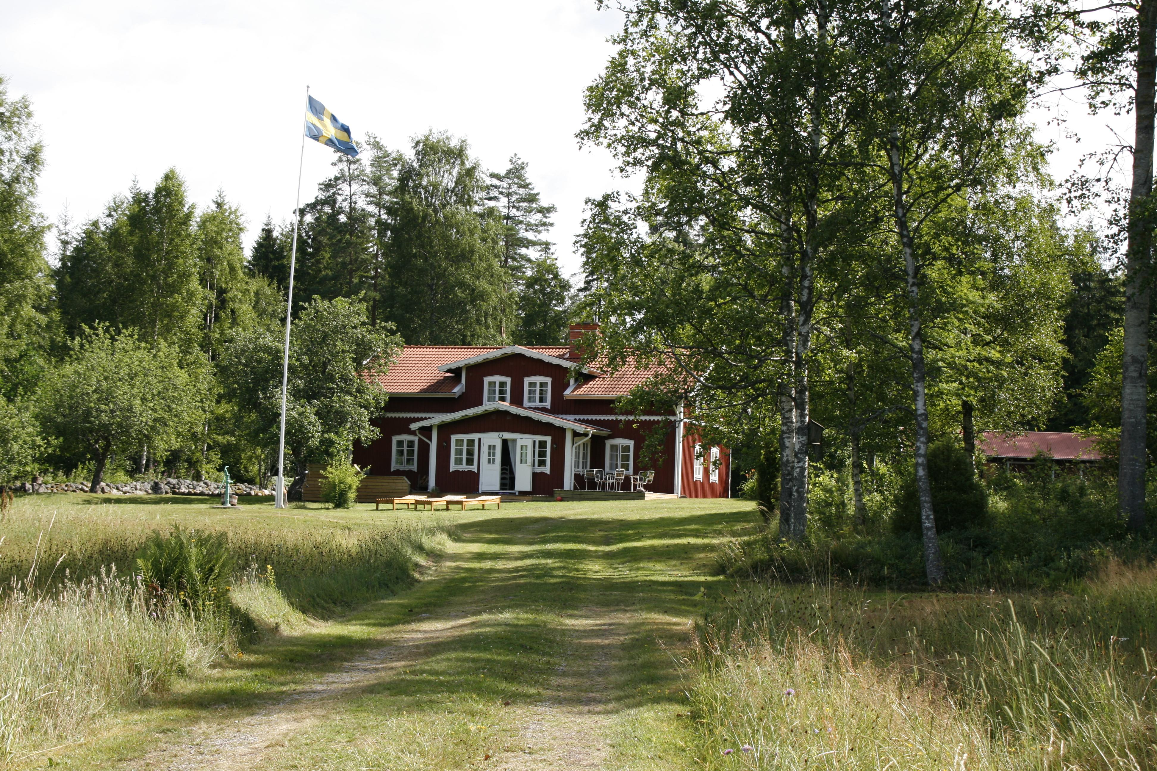 schweden traumhaftes traditionelles ferienhaus direkt am see incl boot in glauchau tiere. Black Bedroom Furniture Sets. Home Design Ideas