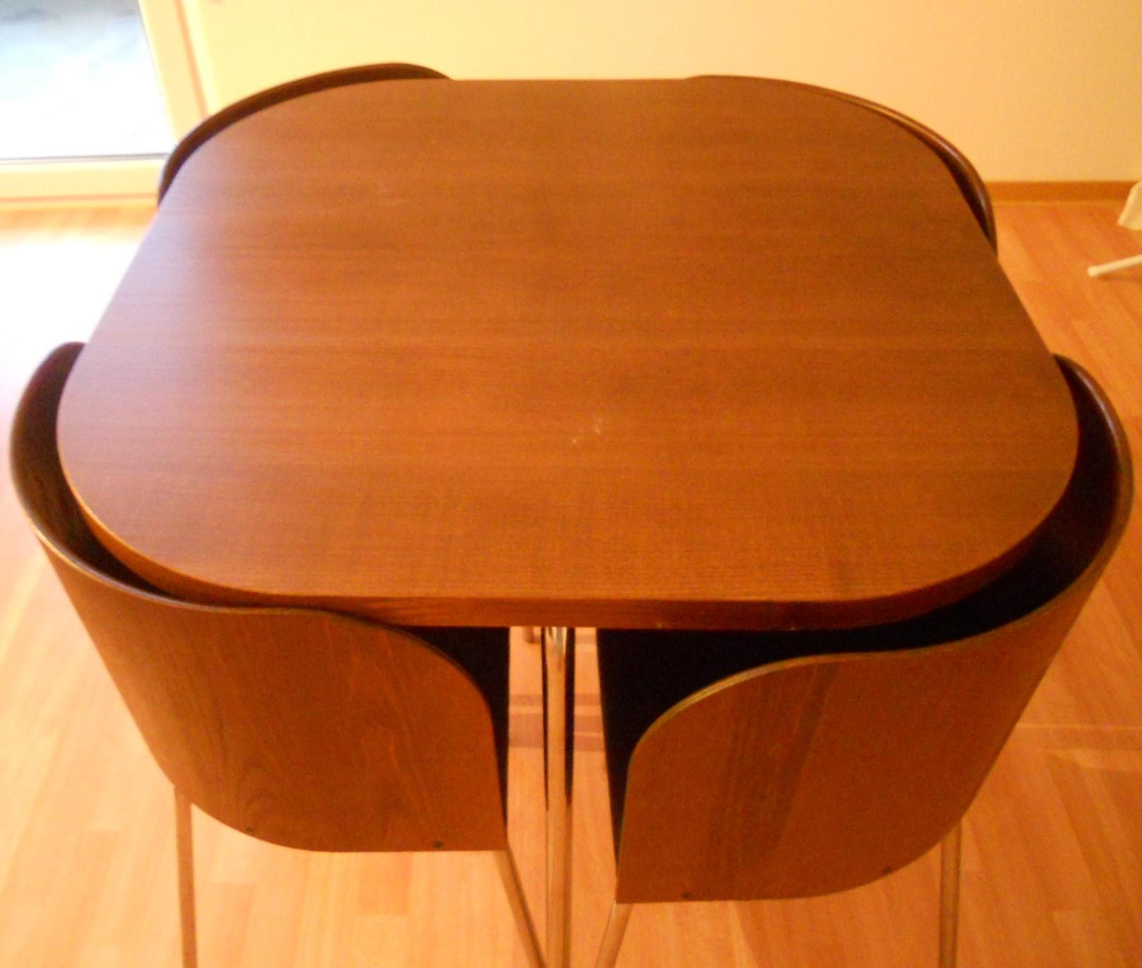 tisch mit 4 stuhlen
