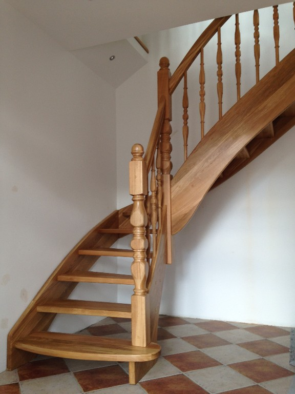 massivholztreppen treppe holztreppen aus polen in mittenwalde dienstleistungen kleinanzeigen. Black Bedroom Furniture Sets. Home Design Ideas