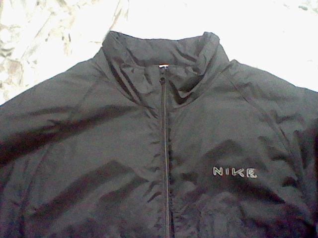 Kleinanzeige Nike Damen Winter Jacke Größe in Staßfurt