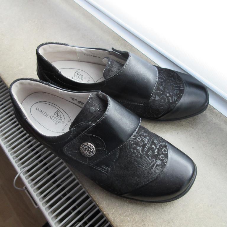 Kleinanzeige Marken Schuhe Restposten aus sehr bekanntem