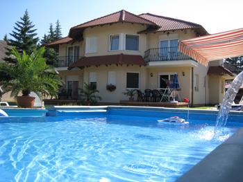 ungarn urlaub am plattensee mit pool oder direkt am see in stuttgart urlaub und reisen. Black Bedroom Furniture Sets. Home Design Ideas
