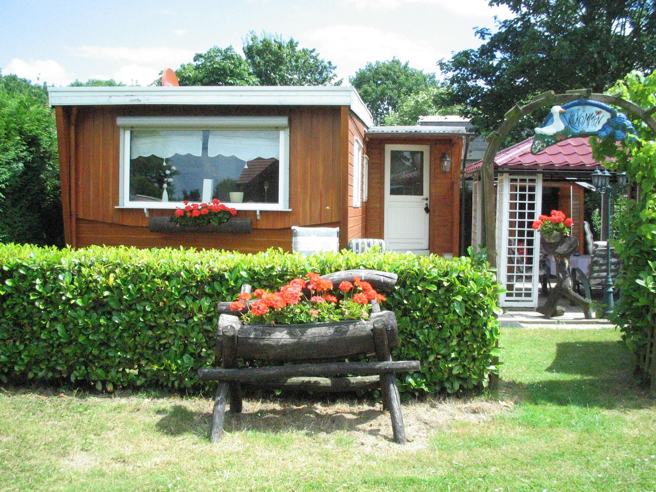 mobilheim kaufen ludwigsee campingplatz pachten. Black Bedroom Furniture Sets. Home Design Ideas