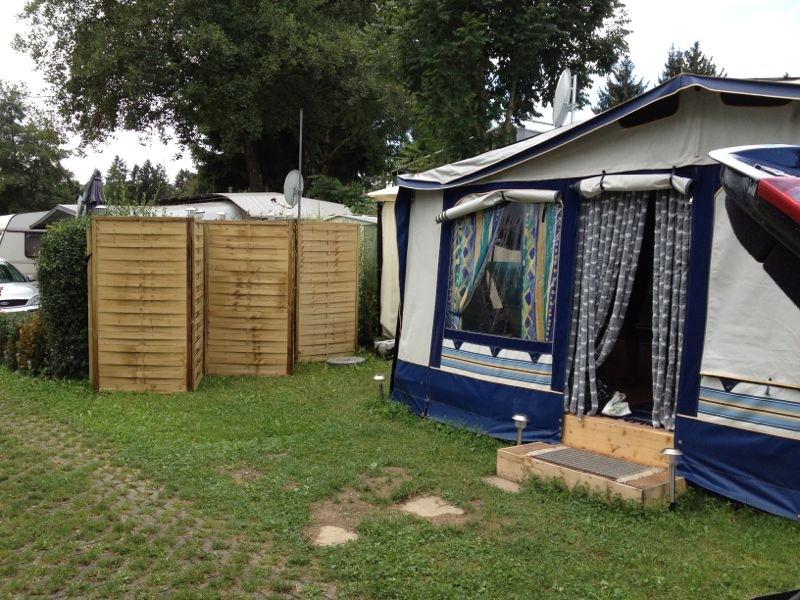 wohnwagen mit dauerstellplatz lindau gitzenweiler hof in ehingen camping kleinanzeigen. Black Bedroom Furniture Sets. Home Design Ideas