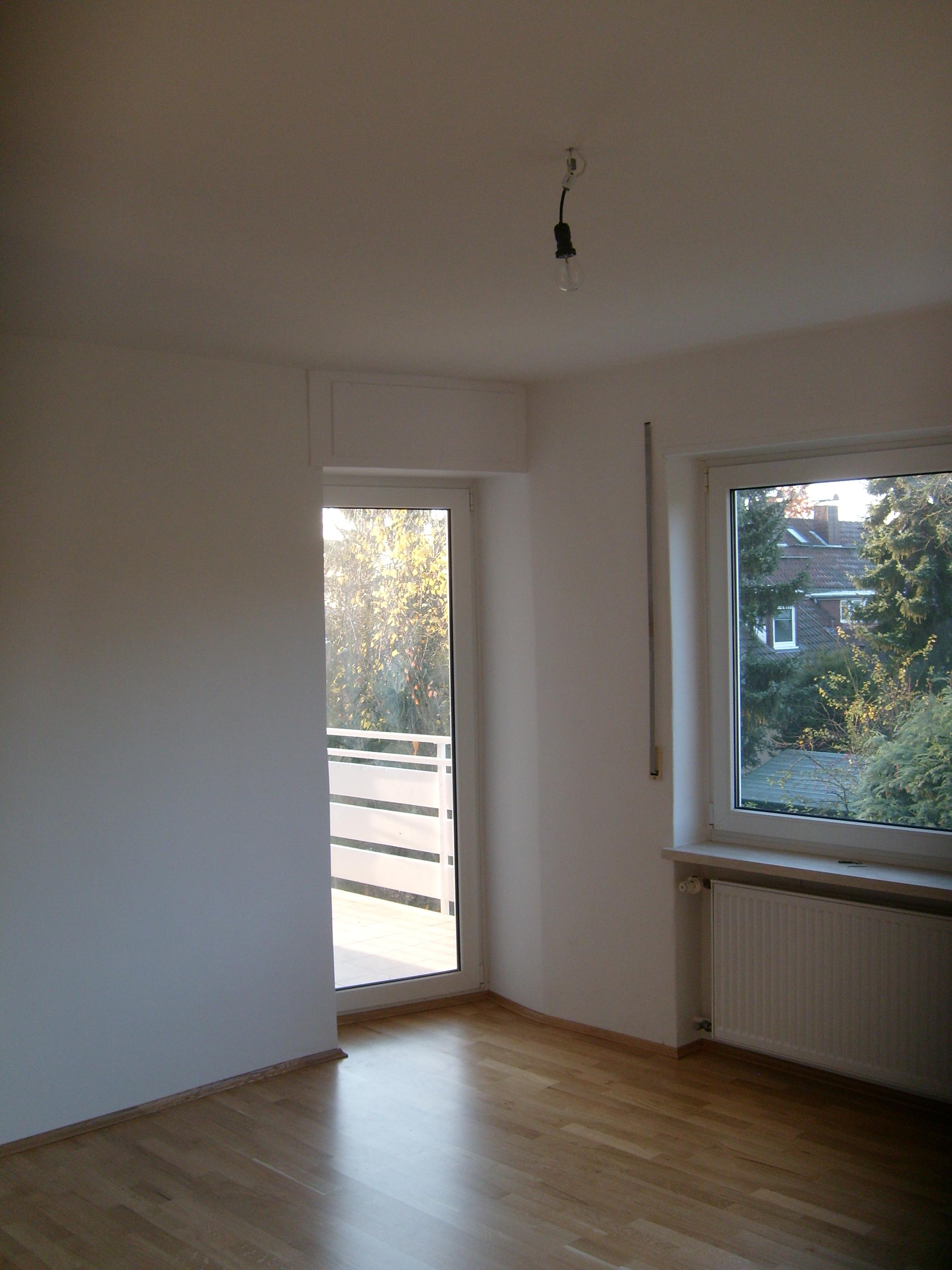 60qm weiss streichen angebot 500 euro in frankfurt m. Black Bedroom Furniture Sets. Home Design Ideas