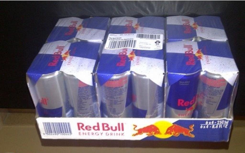 Red Bull Energie Getränke 24 250ml Dose in Hamburg | Essen und ...