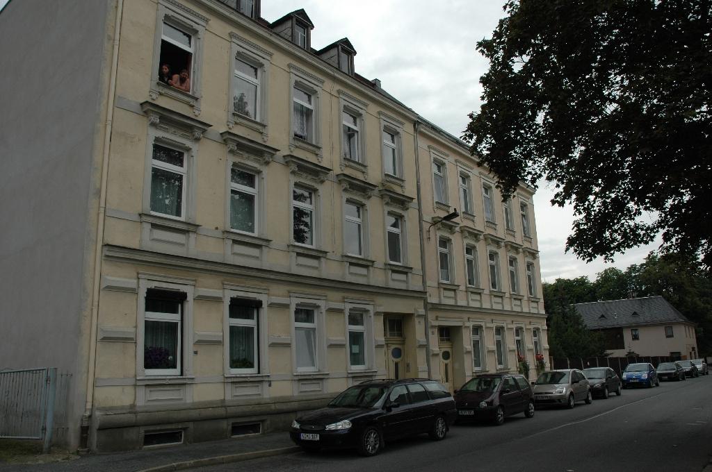 Großes Doppel Mietshaus Mit Wohnungen Ohne Mieter In Oelsnitz