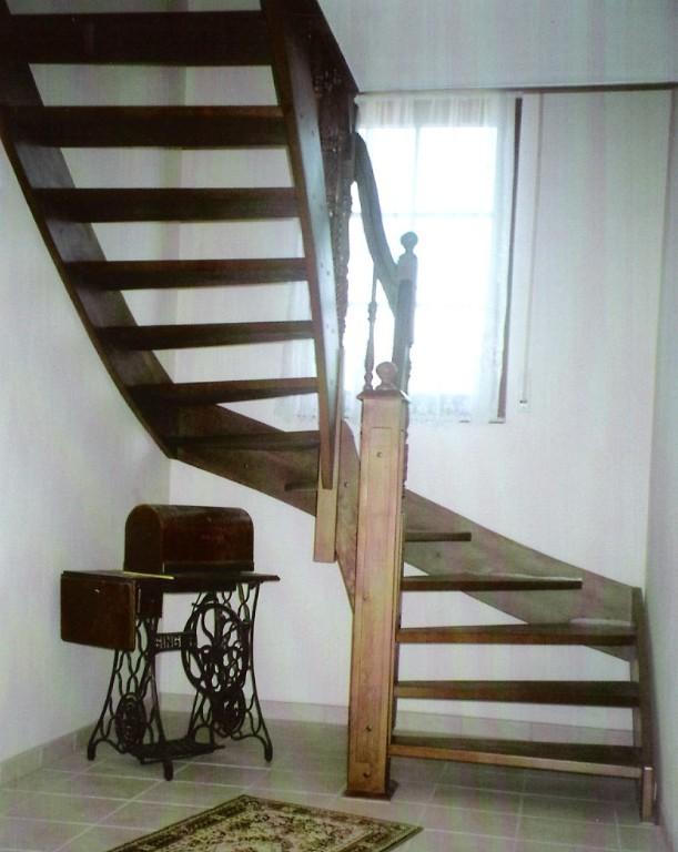 holztreppen treppen aus polen in luban handwerk hausbau garten kleinanzeigen. Black Bedroom Furniture Sets. Home Design Ideas