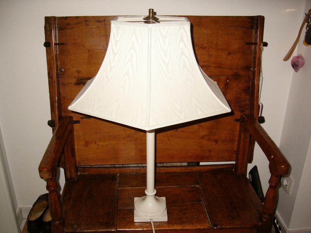 kpm tischleuchte nach schinkel in aachen haushalt kleinanzeigen. Black Bedroom Furniture Sets. Home Design Ideas