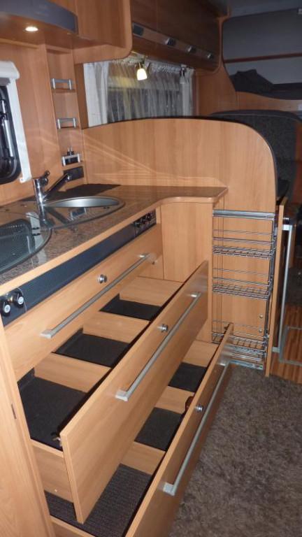 wohnmobil mieten luxus pur dethleffs a7871 premium klasse. Black Bedroom Furniture Sets. Home Design Ideas
